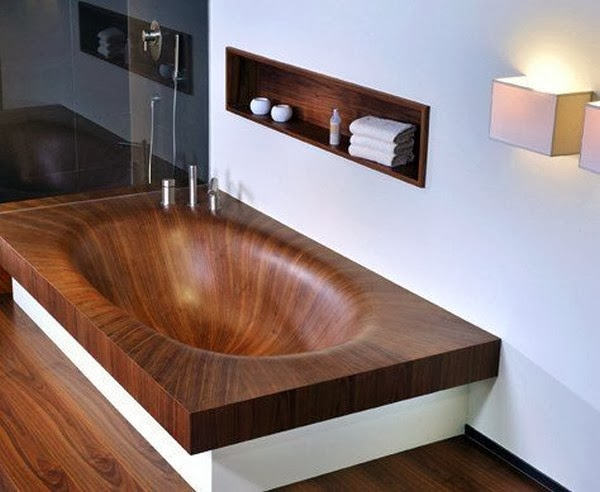 Badgestaltung mit Holz. In der gehobenen Ausstattung keine Seltenheit!