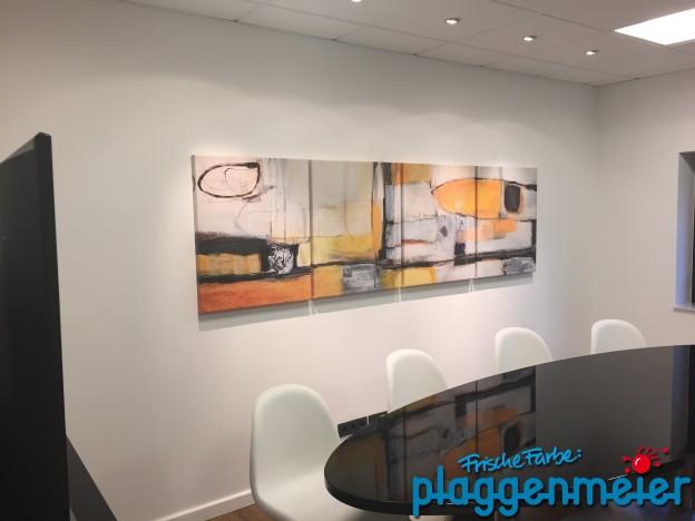 Konferenzraum nach der Bürorenovierung fertig eingerichtet - Malerfachbetrieb Oldenburg
