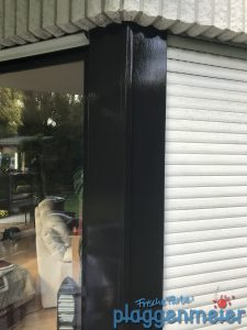 Auch die Fenster wurden zum Teil überarbeitet. Wunschmaler in Bremen bei der Arbeit - Malereibetrieb Plaggenmeier