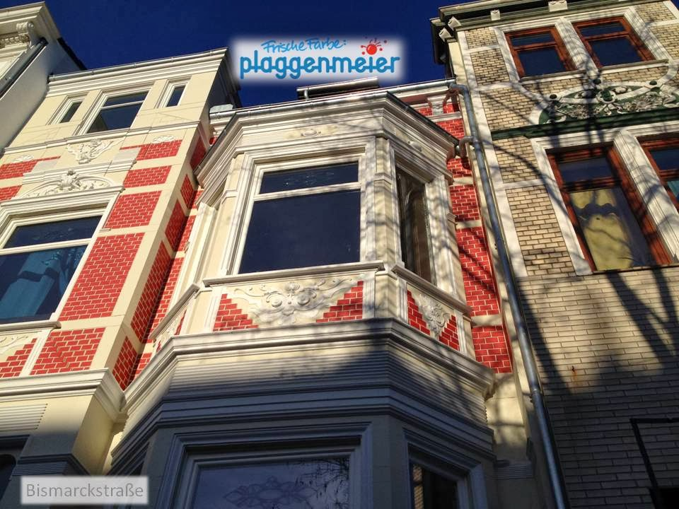 Blick auf die opulente Fassade vom Bürgersteig - Arno Plaggenmeier GmbH