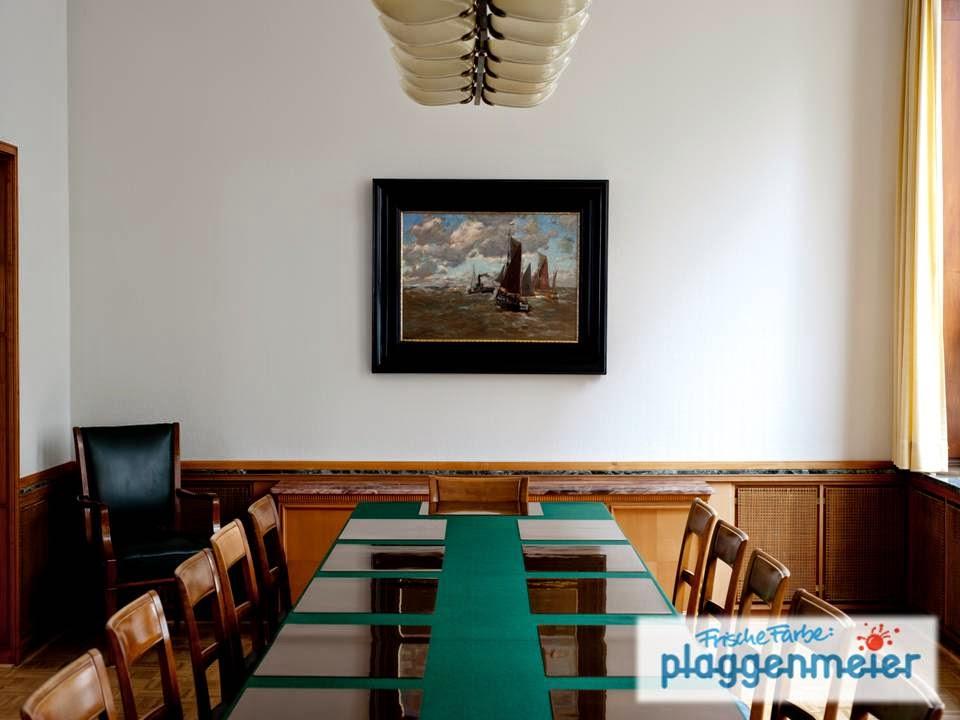 Die Räume sind jederzeit auf eine Sitzung vorbereitet und bis ins Detail gestaltet. Da sind die Malerarbeiten besonders wichtig.