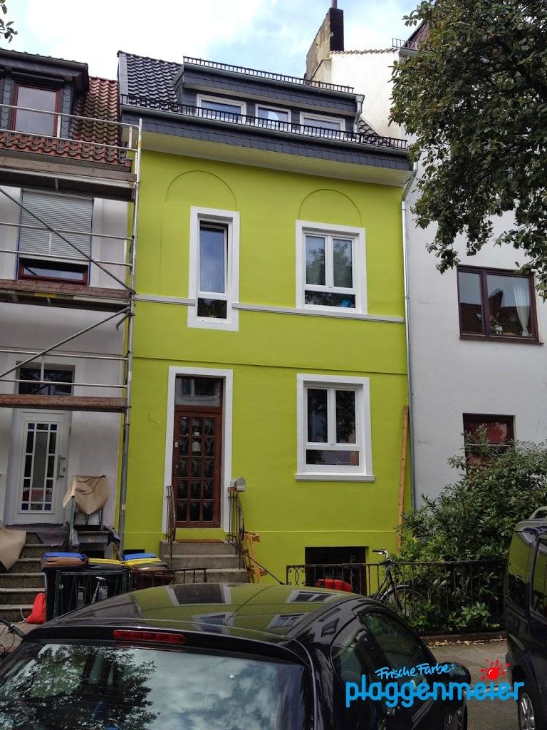 Fachbetrieb hilft bei der Gestaltung - individuell lassen sich durch Fassadenarbeiten Akzente setzen: mit frischer Farbe.