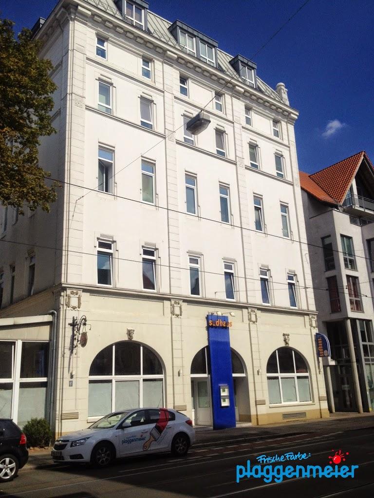Alles neu durch frische Farbe vom professionellen Bremer Maler. Sudhaus von außen.