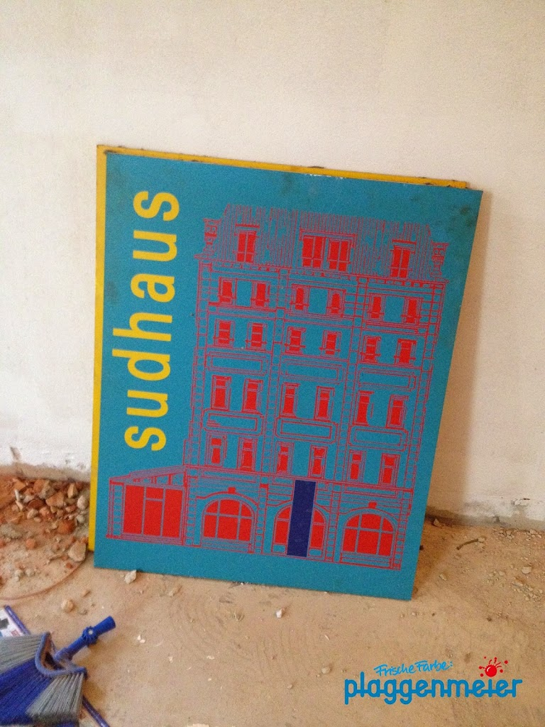 Altes muss raus, Neues muss rein - mit dem Bremer Maler. Ob dieses Sudhaus-Schild überleben wird?