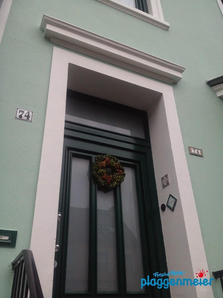 Erst professionelle Farbberatung, dann die Altbaufassade vom Supermaler in Bremen umgesetzt.