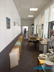 Zahlreiche Musterplatten auf dem Valpaint Seminar vom Kreativmaler Bremen