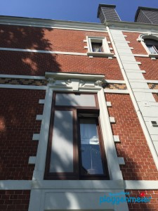 Ein Haus mit Geschichte - diese Fensterillusion ist auch von uns. Nun fällt es kaum noch auf - Bremer Malermeister!
