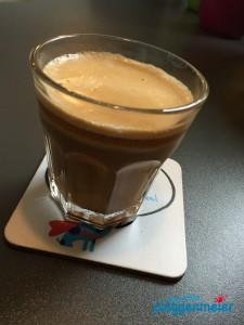 Zum Tag der Deutschen Einheit ein Kaffee in Ruhe - ein schwarzer!