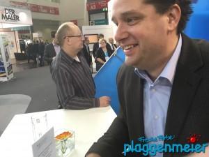 Im Gespräch auf der Messe FAF - Austausch mit den Funktionären des Bundesverbandes - Guter Maler aus Bremen - Plaggenmeier