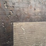Zum Glück ist es KEIN Beton - diese Gestaltung mit Kalk sieht nur aus wie Beton, ist aber viel variantenreicher in der Umsetzung von Gestaltungstrends - Malereibetrieb Plaggenmeier
