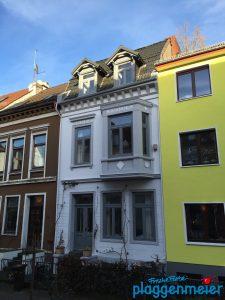 Mit einem fachgerechten Aussenanstrich in höchster Qualität werten Sie Ihre Fassade dauerhaft auf und fühlen sich wohl - in Bremen sind wir der Maler!