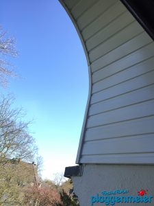 Auch die Außenbereiche der Rundbogenfenster wurden mit überarbeitet - Malermeister Bremen
