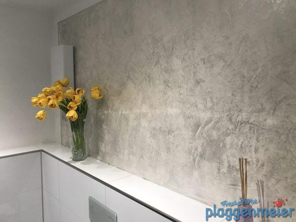 Gestaltung in Perlmutt Anmutung im Bremer Badezimmer