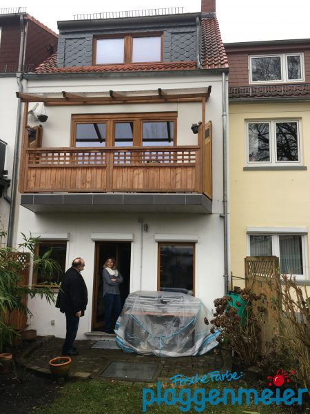 Vorher: Außenholz muss überarbeitet werden! Der Bremer Maler macht´s auch als Teilrenovierung