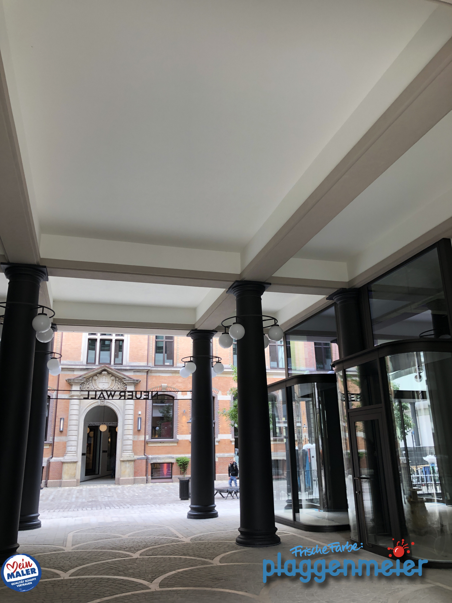 Ein letzter Blick und wir verlassen voller Stolz unser Werk am Görtz-Palais in Hamburg - Bis bald von Ihren Denkmalschutz-Malern aus Bremen.