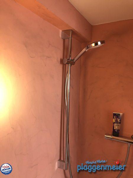 Hier ein fugenloses Duschbad in Bremen - Frische Farbe Plaggenmeier - einziger Maler aus Bremen mit Oltremateria